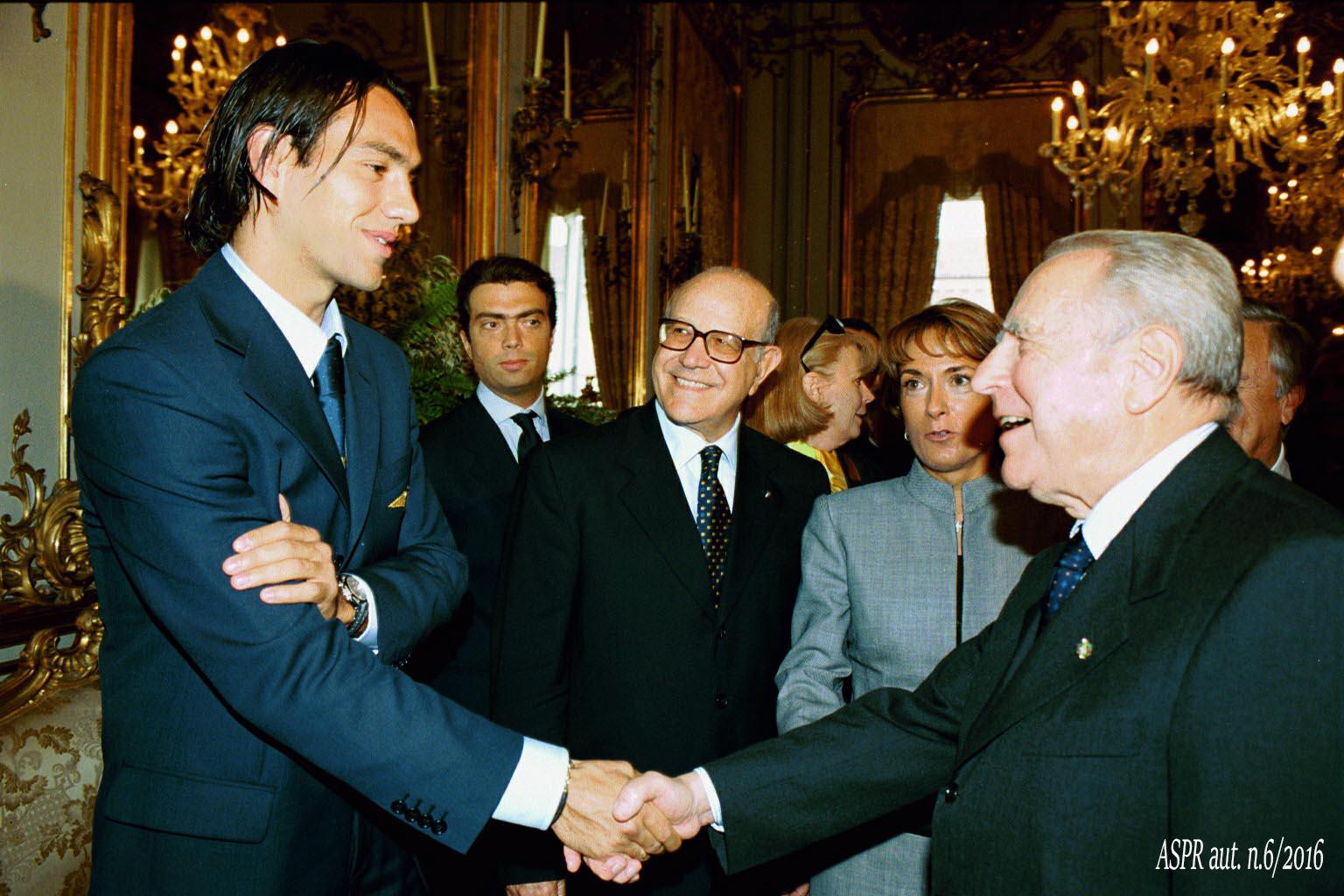 Quirinale 23 ottobre 2000 - Pres. Ciampi con Nesta(ASPR archivio fotografico settennato Ciampi foton